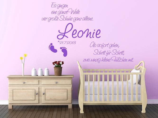 Baby Wandtattoos - Kleine Füßchen mit Namen - Homesticker.de