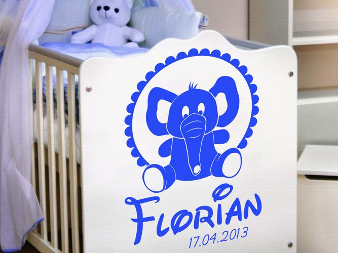 Wandtattoo Elefantenbaby und Kindername bei Homesticker.de