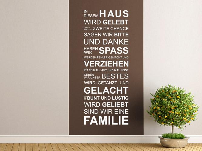 wandtattoo in diesem haus sind wir eine familie bei. Black Bedroom Furniture Sets. Home Design Ideas